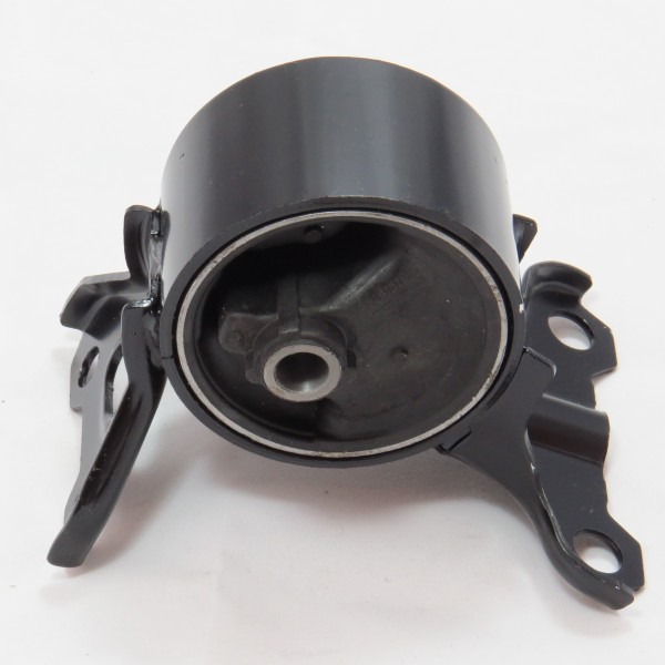 difference between transmission mount and engine mount